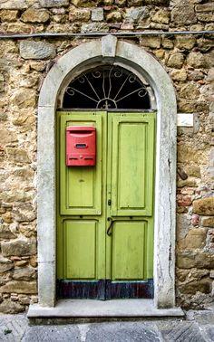 Door: Borghi, Forlì-Cesena, Italy