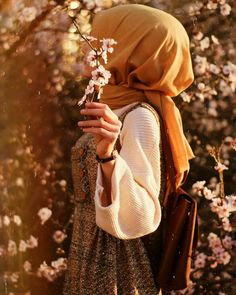 ❤ما شاء الله Stylish Hijab, Modest Fashion Hijab, Hijabi Girl, Girl Hijab, Hijab Hipster, Girly Images, Hijab Collection, Muslim Women Fashion, Hijab Style