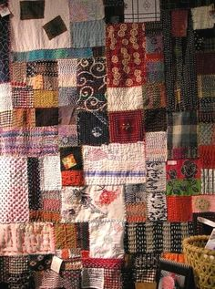how to crazy quilt by hand Shashiko Embroidery, Boro Stitching, Art Japonais, Japanese Textiles, Japanese Embroidery, Hand Quilting, Crazy Quilting, Vintage Quilts, Vintage Fabrics