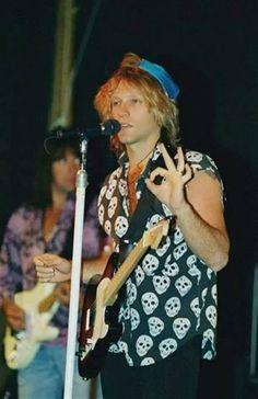 Life in Photos: Jon Bon Jovi Jon Bon Jovi, Great Bands, Cool Bands, Bon Jovi Concert, Dorothea Hurley, Bon Jovi Always, Jersey Boys, Stage Play, Celebs