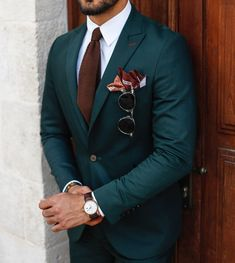 men's fashion suits for business wardrob men's fashion recommended items style inspiration men's awesome hairstyles made Best Suits For Men, Cool Suits, Formal Suits For Men, Mens Fashion Suits, Mens Suits, Mens Custom Suits, Fashion Fashion, Fashion 2020, Fashion Ideas