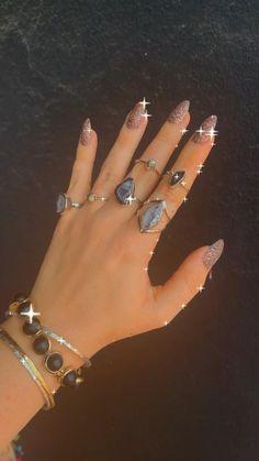 We looooooove #geode stackable #rings 💖💖 #druzy #druzyjewelry #ringsdesigns Acrylic Nails Coffin Short, Fall Acrylic Nails, Druzy Jewelry, Druzy Ring, French Tip Nails, Custom Jewelry Design, Cute Rings, Almond Nails, Cute Jewelry