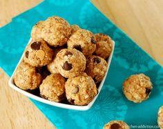 Peanut Butter & Chocolate Chip No Bake Granola Bites