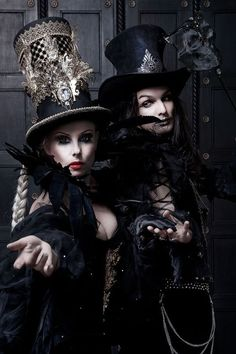 Steampunk Tendencies | Awesome hat on the left…