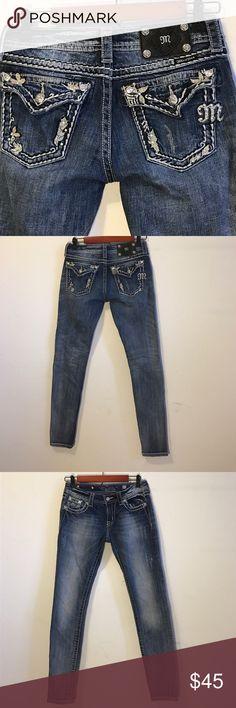 "Miss Me Skinny Jeans Size 27 Miss Me skinny jeans size 27.  Waist 28.5"", Hips 36"", Rise 7.5"", Length 31"". 98% cotton, 2% spandex. Excellent condition. Miss Me Jeans Skinny"