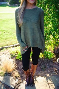 Comfy Classic - Be Both Cozy And Chic In These Oversized Sweater Looks - Photos