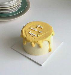 Pretty Birthday Cakes, Pretty Cakes, Mini Cakes, Cupcake Cakes, Frog Cakes, Simple Cake Designs, Simple Cakes, Korean Cake, Korean Tea