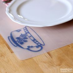 DIY Dollar Store Placemats. madiganmade.com #crafts #kitchen