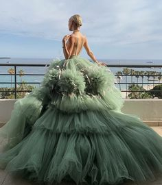 Couture Fashion, Fashion Show, Style Fashion, Expensive Dresses, Leonie Hanne, Designer Evening Gowns, Lovely Dresses, Formal Dresses, Romantic Outfit