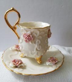 Xícara De Chá Porcelana Marfim E Pires Com clusters Rosa Pink aplicada e acabamento dourado | eBay