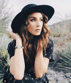 Find images and videos about pretty little liars, pll and troian bellisario on We Heart It - the app to get lost in what you love. Spencer Hastings, Spencer Pll, Pretty Little Liars, Troian Bellisario, Pretty People, Beautiful People, Beautiful Women, Amazing Women, Beyonce