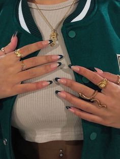 imagen descubierto por -. Descubre (¡y guarda!) tus propias imágenes y videos en We Heart It Frensh Nails, Swag Nails, Hair And Nails, Acylic Nails, Nail Jewelry, Jewellery, Nail Ring, Funky Nails, Edgy Nails