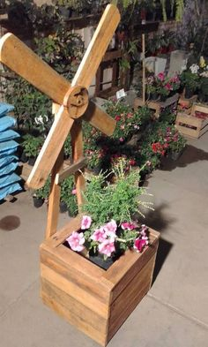 Excellent Ideas with Used Wood Pallets Wood Pallet Planter Box The post Excellent Ideas with Used Wood Pallets appeared first on Pallet Diy. Wood Projects For Beginners, Easy Wood Projects, Easy Woodworking Projects, Diy Pallet Projects, Woodworking Books, Metal Projects, Woodworking Supplies, Teds Woodworking, Wood Pallet Planters