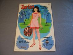 Vintage 1967 THAT GIRL MARLO THOMAS Paper Doll Book - Saalfield Co. UNCUT