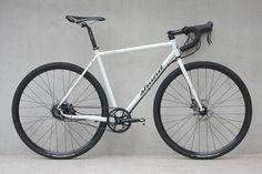 Shand Stoater Rohloff, una bicicletas para carretera todo terreno con un aspecto sofisticado, gran versatilidad y rendimiento