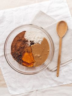 Vegan, Gluten Free.  Sweet potato, almond butter, cacao, dates...could there be anything more delectable? With its rich crispy crust and sweet fudge-like centre, we are in love with this indulging chocolate brownie recipe and sure you will be too! Oh, and did we mention that it's incredibly simple and you'll only need one bowl to make it... Nut Butter, Almond Butter, Coconut Flour, Brownie Ingredients, Loaf Pan, Mashed Sweet Potatoes, Chocolate Brownies, Brownie Recipes, Healthy Desserts