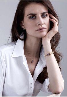 Faye Dinsmore ------------------------- Booking: influencers@andrea.ie ------------------ #model #topmodel #modelagency #fashion #beauty #makeup #casual #glam #glamor #glamour #glamorous #makeupgoals #curls #accessories #contour #hairgoals #photoshoot #tan #magazine #covergirl #flawless #dreamhair #goals #headshot #lashes #highlight #dewy #dewyskin #eyeliner #blush #blusher #brow #makeup #beauty #brunette #jewellery #ceo #blouse #whiteblouse #whiteshirt #smokyeye #smokeyeye #shirt… Brows, Eyeliner, Makeup Goals, Beauty Makeup, Dewy Skin, Smoky Eye, Blusher, Dream Hair, Model Agency