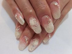 ブライダルネイル Bridal Nails Designs, Bridal Nail Art, Nail Designs, Wedding Pedicure, Wedding Nails, Manicure And Pedicure, Pedicures, Round Nails, Nail Arts