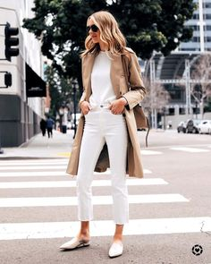 Fashion Jackson Capsule Wardrobe Wearing Everlane Trench Coat White Sweater Everlane White Crop Jeans Everlane White Mules Source by milestonesb outfit Spring Summer Fashion, Spring Outfits, Autumn Fashion, Spring Style, Spring 2016, Mode Outfits, Casual Outfits, Fashion Outfits, Fashion Ideas