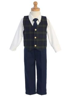 Go for green with this handsome tartan plaid vest set from Lito for infant boys!  A green plaid vest set is perfect for holiday outings and Christmas photos.  Choose this holiday plaid vest set for boys and he's sure to look dashing.