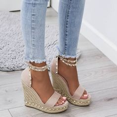 Fashion Tips Hijab 64 Trendy Holiday Style Summer Sandals Tips Hijab 64 Trendy Holiday Style Summer Sandals Dream Shoes, Crazy Shoes, Shoes Heels Wedges, Wedge Shoes, Wedge Sandals Outfit, Wedges Outfit, Cute Sandals, Cute Shoes, Summer Shoes