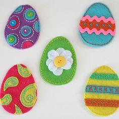 Easy Easter Felt Egg Pouches Craft Tutorial. So cute :)