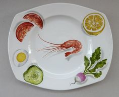 These 1950s Norwegian Salad design large oblong dinner plates by Figgjo Flint are very collectable. They are now quite hard to find, especially in this lovely condition. As you can see from my photographs - each plate is in excellent condition with no fading to the design and no cutlery marks to the surface. On offer here is a set of six oblong dinner plates.  Each has the traditional blue Figgjo Flint FF Norway stamp to the base. They are quite heavy and postage would be limited to UK…
