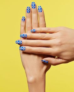 Opting for bright colours or intricate nail art isn't a must anymore. This year, nude nail designs are becoming a trend. Here are some nude nail designs. Cute Summer Nail Designs, Cute Summer Nails, Best Nail Art Designs, Pedicure Nail Art, Plaid Nails, Nail Blog, Nail Photos, Instagram Nails, Clear Nails