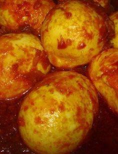 Indisch eten!: Sambal telor: gekookte eieren in een saus van kruiden en spaanse peper Spicy Recipes, Grilling Recipes, Indian Food Recipes, Asian Recipes, Vegetarian Recipes, Chicken Recipes, Healthy Recipes, Ethnic Recipes, Indonesian Cuisine