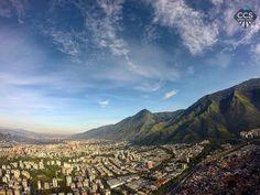 Te presentamos la selección del día: <<AVILA>> en Caracas Entre Calles. ============================  F E L I C I D A D E S  >> @renatoyanez << Visita su galeria ============================ SELECCIÓN @mahenriquezm TAG #CCS_EntreCalles ================ Team: @ginamoca @huguito @luisrhostos @mahenriquezm @teresitacc @marianaj19 @floriannabd ================ #avila #elavila #Caracas #Venezuela #Increibleccs #Instavenezuela #Gf_Venezuela #GaleriaVzla #Ig_GranCaracas #Ig_Venezuela #IgersMiranda…