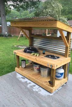 Pallet Exterior, Outdoor Spaces, Outdoor Living, Palette Diy, Diy Holz, Outdoor Kitchen Design, Simple Outdoor Kitchen, Small Outdoor Kitchens, Outdoor Camp Kitchen