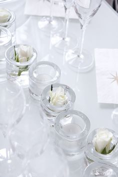 Beautiful decorations with Iittala's Kivi tealights Scandinavian Christmas, Scandinavian Style, Little Buds, Glass Candle Holders, Dining Table Chairs, Diy Candles, Bud Vases, All Things Christmas, Glass Bottles