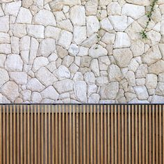 ideas for exterior stone wall courtyards Stone Facade, Stone Cladding, Wall Cladding, Landscape Walls, Landscape Design, Timber Screens, Casa Cook, Sydney Beaches, Coral Stone
