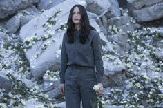 New Mockingjay Still - Katniss | the roses! Omg! They should be pink and red from Katniss and Peeta's second interview, but since Gary Ross didn't include that in the first movie, we are out of luck. But still Lawrence did his best! And I appreciate that! Eeeeekkkkk!