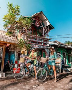 If you guys are planning to go to Bali, please don't miss the Gilis, you will love them! 😉🌴 The best is that there are no cars and scooters… Photography Guide, Travel Photography, Trekking, Voyage Bali, Beach Shack, Bali Travel, Ultimate Travel, Tropical Paradise, Travel Goals