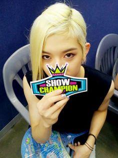 NU'EST Ren Show Champion