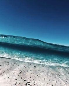 Beautiful Ocean, Beautiful Beaches, Beautiful Nature Wallpaper, Ocean At Night, Ocean Video, Night Sky Painting, Sunset Wallpaper, Wallpaper Desktop, Sea And Ocean