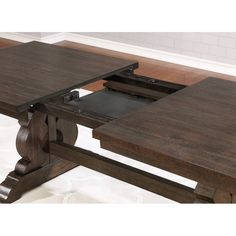 Charming Alyssa Extendable Dining Table