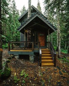 Tiny Cabins, Tiny House Cabin, Cabins And Cottages, Tiny House Living, Tiny House Plans, Tiny House Design, Cabin Homes, Log Homes, Tiny Homes