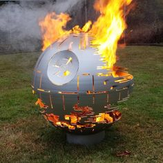 We have selected for you the best Star Wars, Comics ant Earth fire pit ideas made thanks to the creativity of crafters, be inspired and make your own! Fire Pit Base, Copper Fire Pit, Fire Pit Sets, Natural Gas Fire Pit, Fire Pits, Outdoor Wood Burner, Outdoor Fire, Fire Pit Supplies, Aliens
