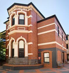 Melbourne Grammar Boarding House side view