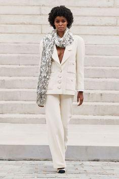 Glamour Fashion, Mode Glamour, Chanel Fashion, Paris Fashion, Runway Fashion, Autumn Fashion, Luxury Fashion, Haute Couture Looks, Haute Couture Fashion