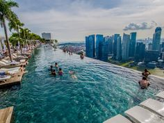 Infinite Pool des Marina Bay Hotels, Singapur – Bild: Silas Khua, CC BY 2.0