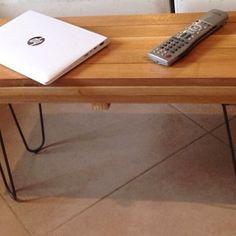 Une petite table réalisée avec nos pieds épingles deux branches #piedsepingles #hairpinlegs #diy #fabriqueenfrance