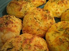 Looks yummy! Couponing & Cooking: Weight Watchers Version Of Red Lobster Biscuits Skinny Recipes, Ww Recipes, Light Recipes, Cooking Recipes, Healthy Recipes, Copycat Recipes, Bread Recipes, Healthy Foods, Healthy Breads