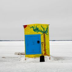 Freeze Frames of Canada's Ice Huts - NYTimes.com