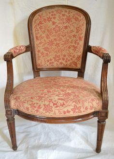 Lovely #LouisXVI #armchair in #walnut. #18th century. For sale on #Proantic by DS Antiquités.