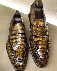 Alligator leather penny loafers formal Slip-On shoes for men. It is crafted from superior quality alligator skin that makes it long-lasting. Slip On Shoes, Men's Shoes, Shoes Men, Alligator Boots, Crocodile, Mens Fashion Shoes, Dream Shoes, Sneaker Boots, Penny Loafers