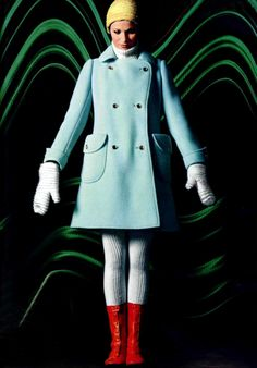 Powder blue + red Courreges, L'officiel magazine, 1969