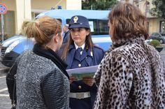 """Caserta. Violenza sulle donne, la Polizia scende in strada per gridare """"Questo non è amore"""" a cura di Enzo Santoro - http://www.vivicasagiove.it/notizie/caserta-violenza-sulle-donne-la-polizia-scende-strada-gridare-non-amore/"""